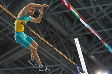 Sergey Grigoryev in the pole vault at the Asian Indoor Games in Ashgabat (Organisers)