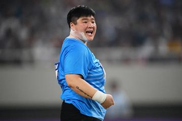 China's Gong Lijiao in action in the shot put (AFP / Getty Images)