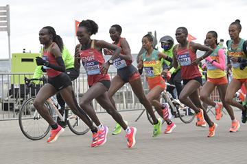 Peres Jepchirchir and Joyciline Jepkosgei lead the World Athletics Half Marathon Championships Gdynia 2020 (Getty Images)