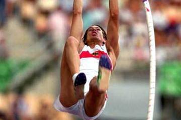Good jumping and vaulting, as Sakorafa returns to record ...