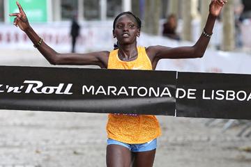 Purity Rionoripo wins the Lisbon Marathon (Organisers / Photorun.net)