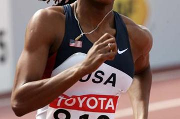 Sanya Richards of the USA cruises to the line in the women's 400m heats (Getty Images)