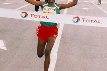 Tirunesh Dibaba wins the 2003 Great Ethiopian Run (E. Negash)
