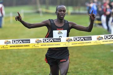 Kenyan Mike Kigen takes victory at the 2010 Antrim International XC (Mark Shearman)