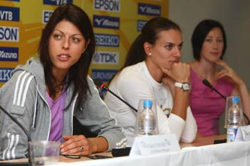 Blanka Vlasic (l), Yelena Isinbayeva (c) and Jana Rawlinson at the pre-meet press conference in Stuttgart (Getty Images)
