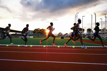 Athletes running with Wavelight technology (Sport Technologies)