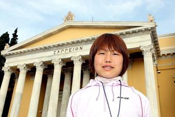 Mai Tagami (JPN) in Athens, ahead of the 2008 Athens Classic Marathon (Victah Sailer)