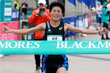 Tomohiro Tanigawa wins the 2016 Sydney Marathon (Victah Sailer/organisers)