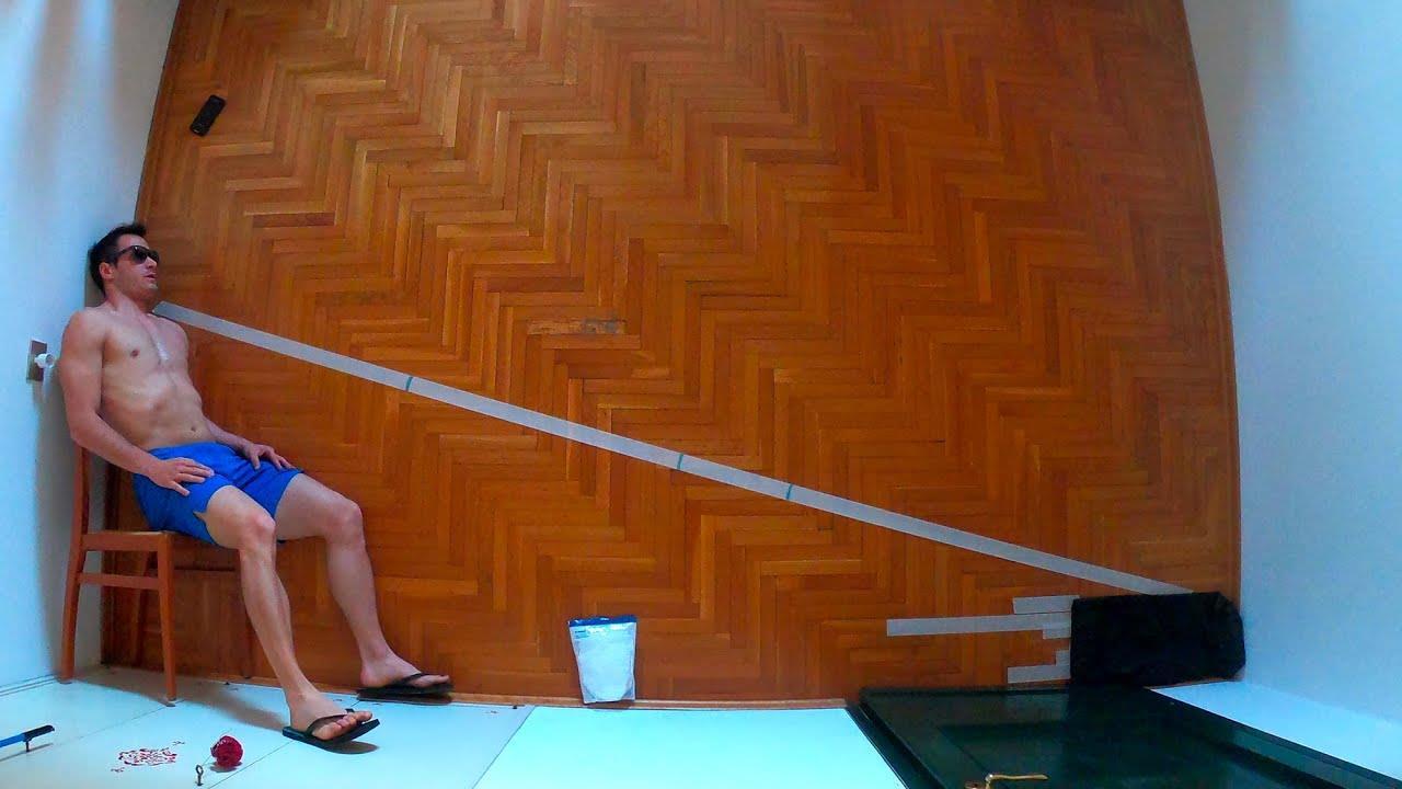 Decathlon in a room (Simone Cairoli)