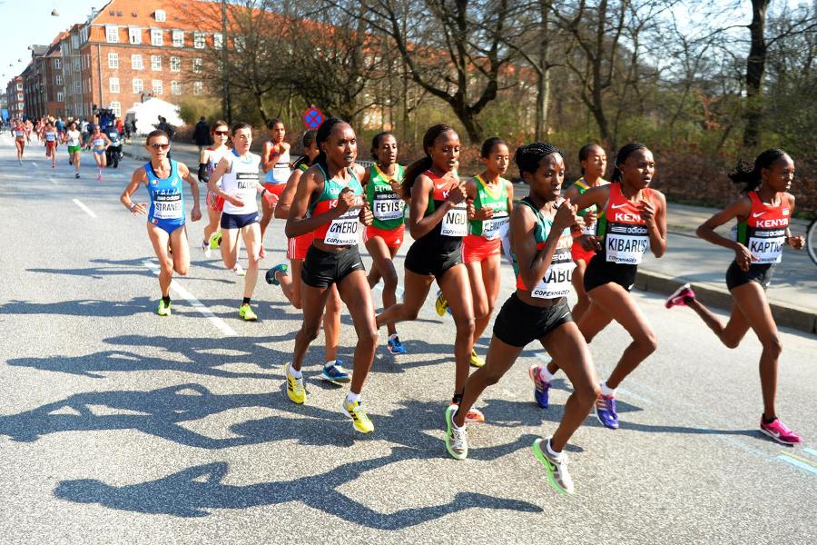 The women's race at the 2014 IAAF World Half Marathon Championships in Copenhagen (Getty Images)