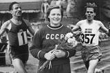 Athletics stars born in 1921 ()