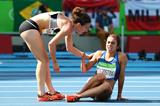 Nikki Hamblin and Abbey D'Agostino during the women's 5000m heats in Rio 2016 Olympic Games (Getty Images)