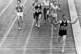Peter Snell winning the 1964 Olympic 1500m title (Getty Images)