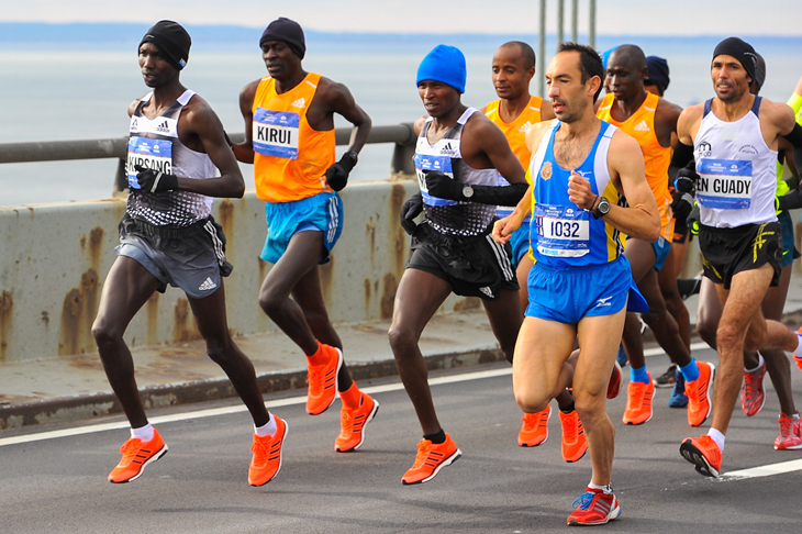 Wilson Kipsang leads the 2014 NYC Marathon  (Getty Images)