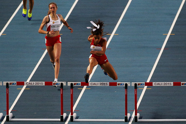 Sydney McLaughlin competes at the WYC Cali 2015 ()