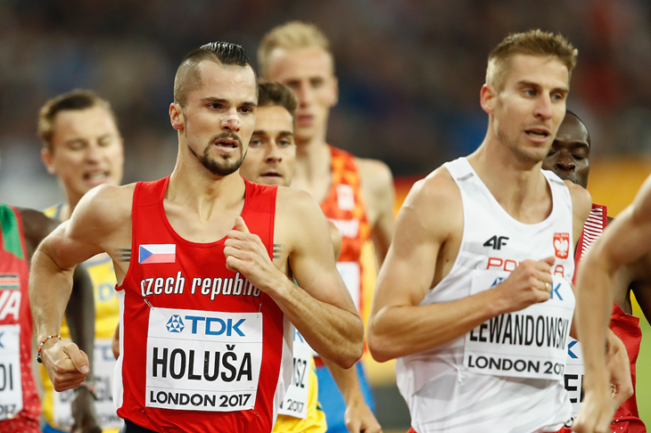Jakub Holusa and Marcin Lewandowski at the 2017 IAAF World Championships (Getty Images)