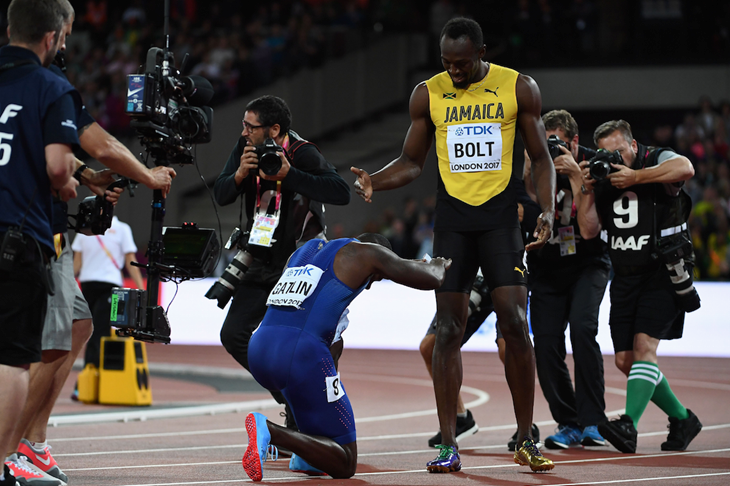 Justin Gatlin and Usain Bolt after the men's 100m final (Getty Images / AFP)