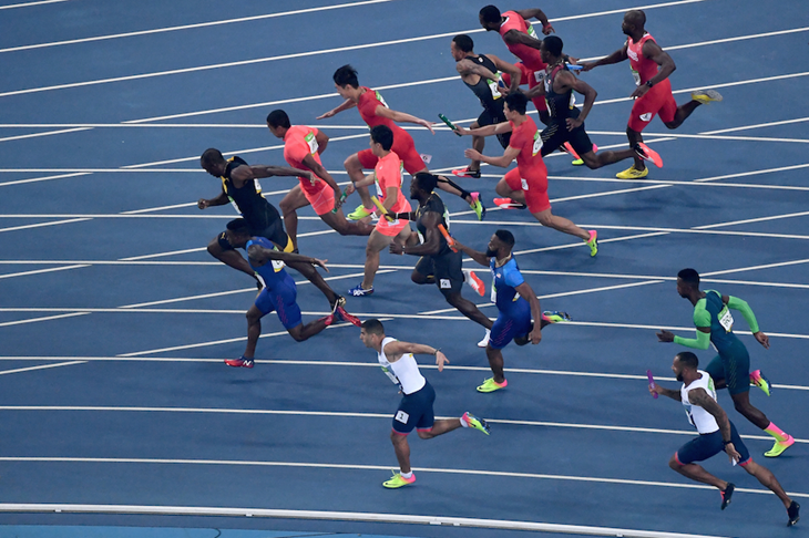 Final baton exchange of the 4x100m in Rio ()
