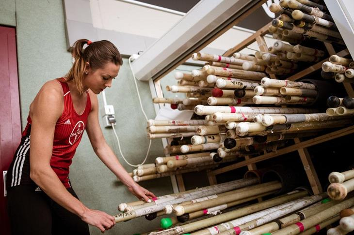 Katharina Bauer trains after her surgery (picture alliance)