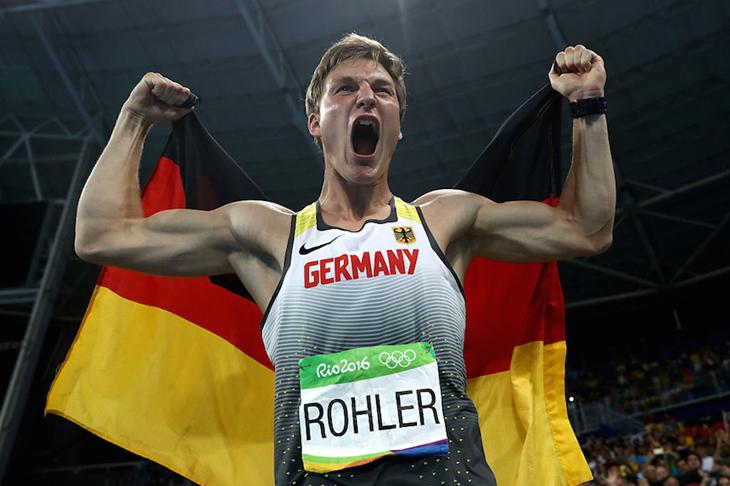 Thomas Rohler celebrates winning Olympic javelin gold ()