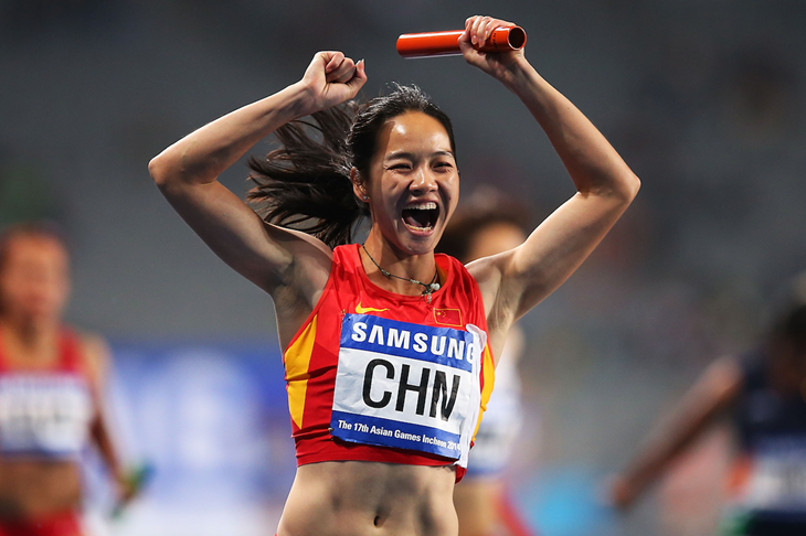 Wei Yongli celebrates at the Asian Games (Getty Images)