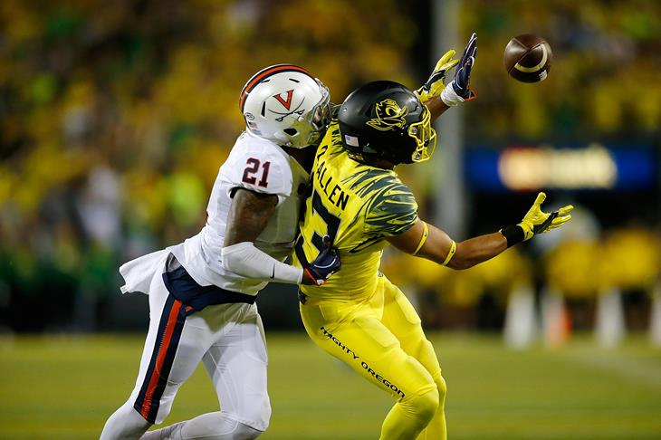 Devon Allen playing for the Oregon Ducks (Getty Images)