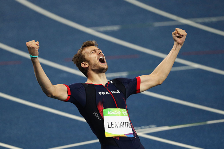 Christophe Lemaitre celebrates his 200m bronze in Rio ()