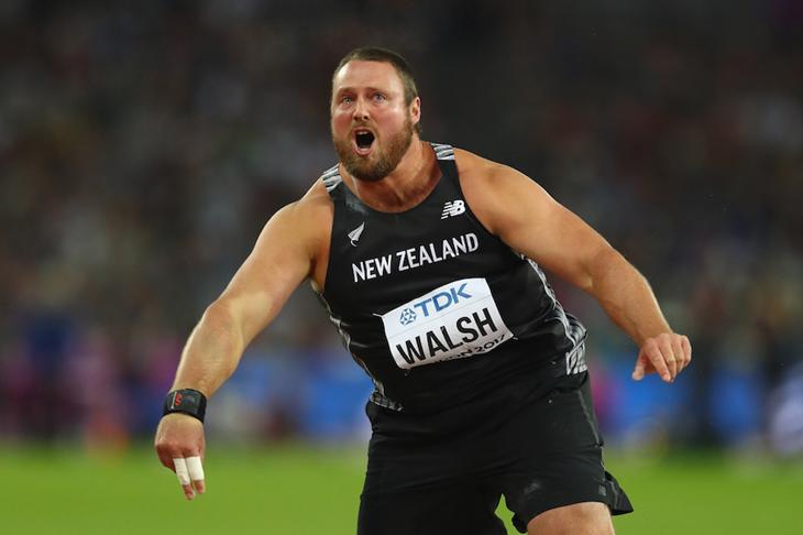 Tom Walsh celebrates shot put gold  ()