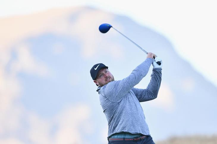 Tom Walsh playing golf (Getty Images)
