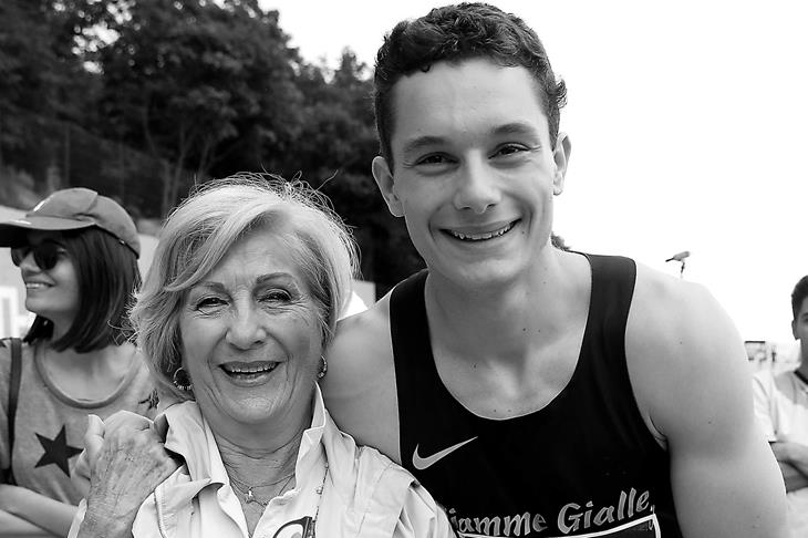 Filippo Tortu with grandmother ()