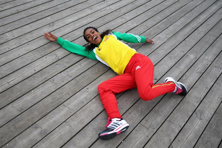 Genzebe Dibaba laying on the pier ahead of Sopot 2014 ()