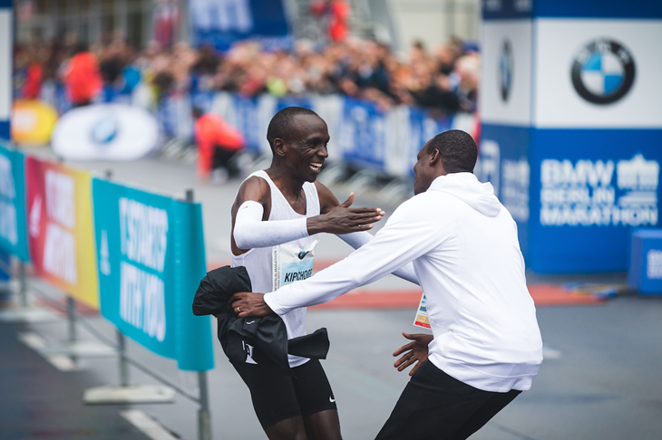 Patrick Sang and Eliud Kipchoge at the 2017 Berlin Marathon (Dan Vernon / NN Running Team)