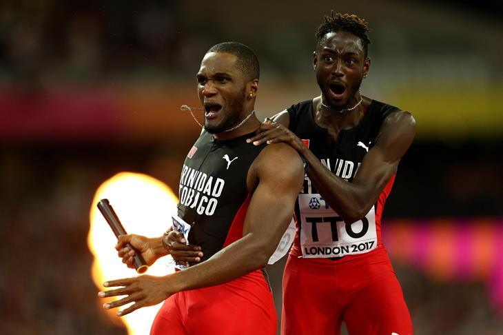 Jereem Richards and Lalonde Gordon celebrate 4x400m relay gold (Getty Images)