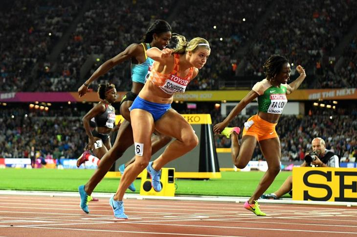 Dafne Schippers takes the women's 200m title (Getty Images)