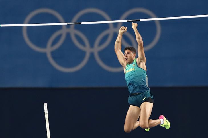 Thiago Braz wins the men's pole vault in Rio ()
