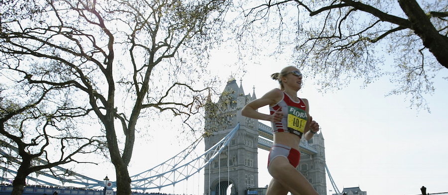 Paula Radcliffe in action at the 2003 London Marathon (Getty Images)