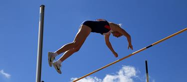 Holly Bradshaw competes at the British Team Trials (Getty Images)