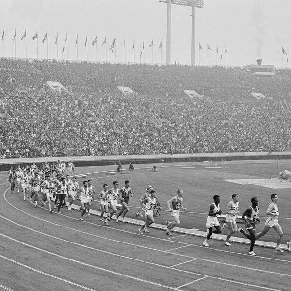 The start of the men's marathon at the 1964 Olympic Games (Getty Images)